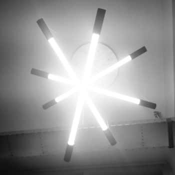 hanglamp-met-meerdere-lampen-onderkant-aan