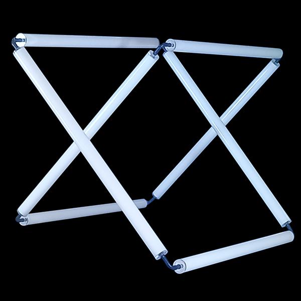 FLiRD-Krakeling-compleet-armatuur-Opaal-40-mm-blauwe-gloed